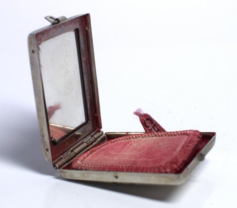 Women's or Men's Art Deco 1930s Ladies Rouge Compact 'Charm' For Sale