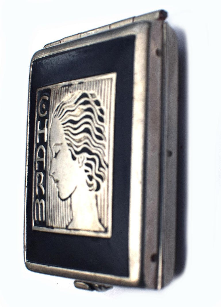 Art Deco 1930s Ladies Rouge Compact 'Charm' For Sale 3