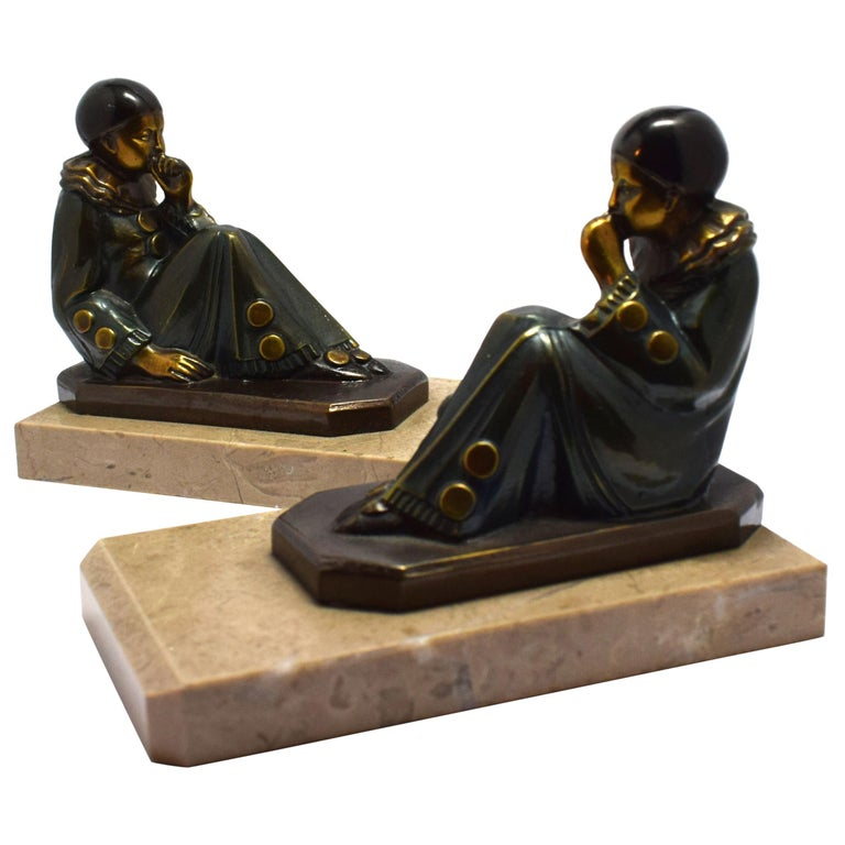 Art Deco 1930s Matching Pair of Figural Bookends For Sale