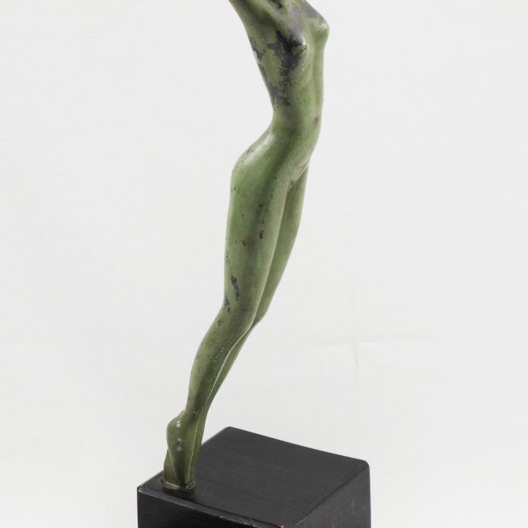 Art Deco Metal Statuette Figurine Sculpture Woman with Golf Ball For Sale 4