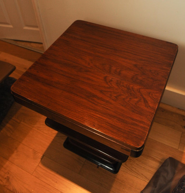 Mid-20th Century Art Deco 1930s Walnut and Lacquered Graduated Three-Tier Side Table For Sale