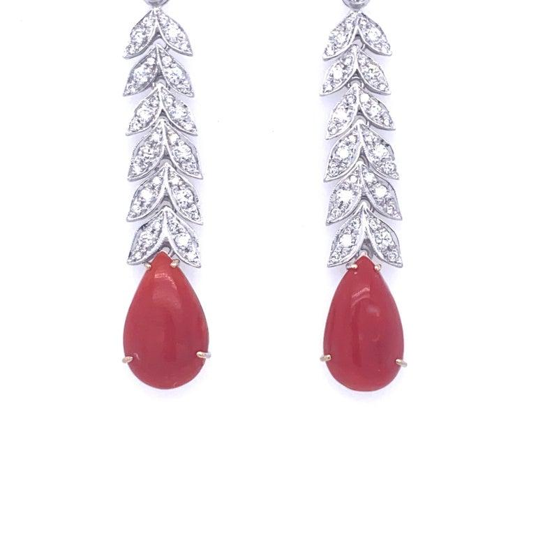 Round Cut Art Deco 2 Carat Diamond Aka Coral Gold Drop Earrings, 1930s For Sale