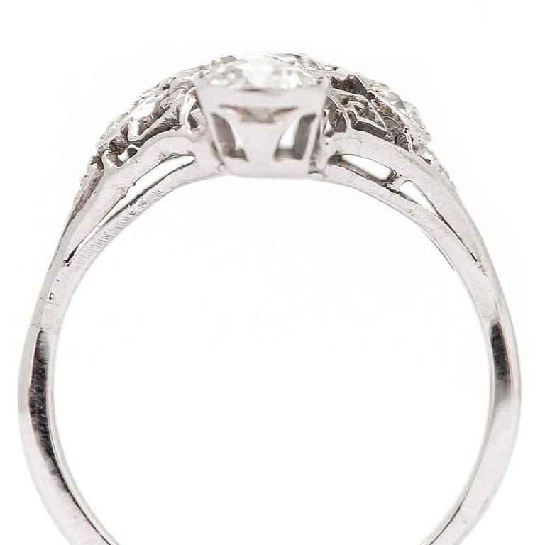 Art Deco 2.10 Carat OEC Diamond and Platinum Three-Stone Ring, circa 1925 For Sale 5