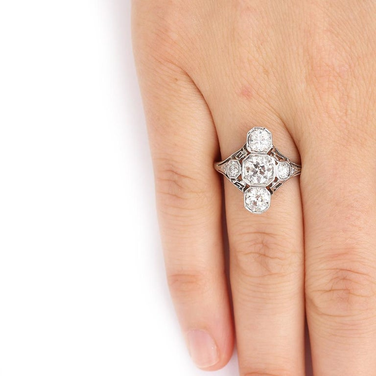 Art Deco 2.10 Carat OEC Diamond and Platinum Three-Stone Ring, circa 1925 For Sale 7