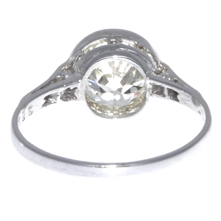 Women's Art Deco 2.23 Carat Old European Cut Diamond Platinum Engagement Ring For Sale