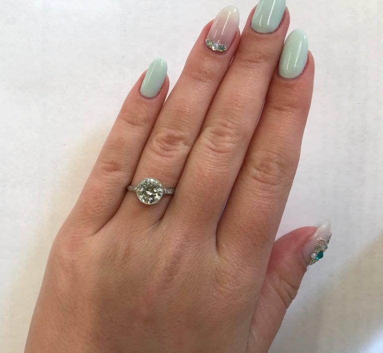 Art Deco 2.23 Carat Old European Cut Diamond Platinum Engagement Ring For Sale 1