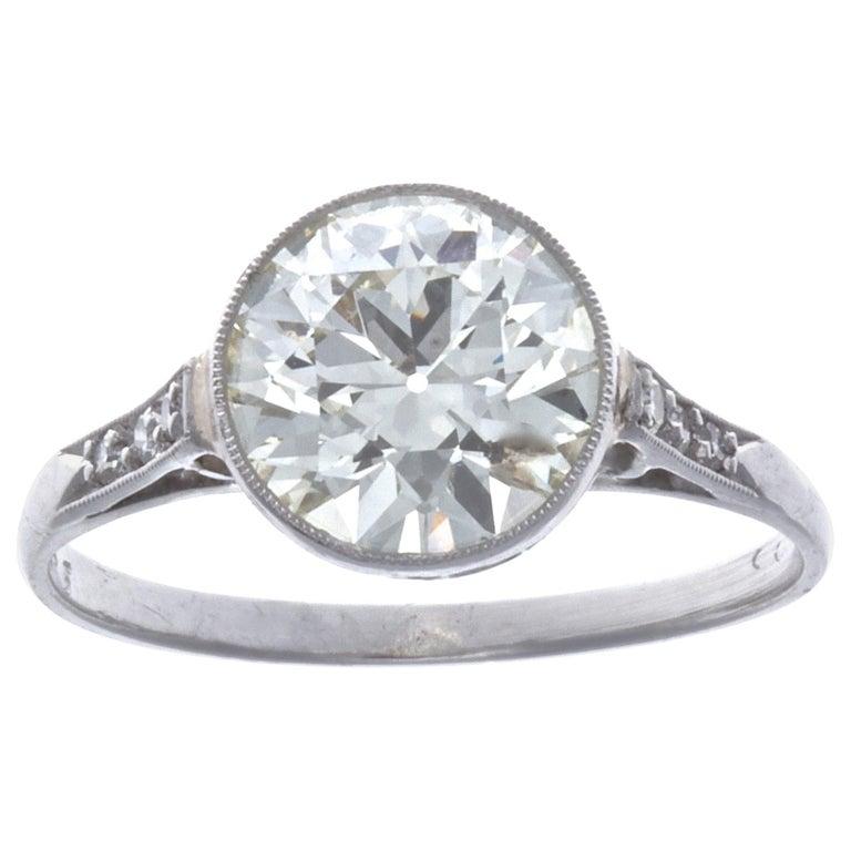 Art Deco 2.23 Carat Old European Cut Diamond Platinum Engagement Ring For Sale
