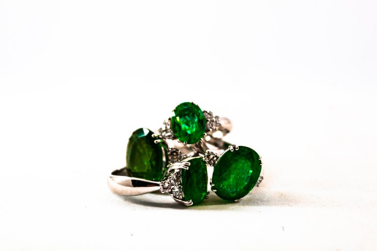 Art Deco Style 2.43 Carat Emerald 0.35 Carat Diamond White Gold Cocktail Ring For Sale 7
