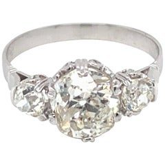 Art Deco 2.50 Carat Diamond Three-Stone Gold Ring