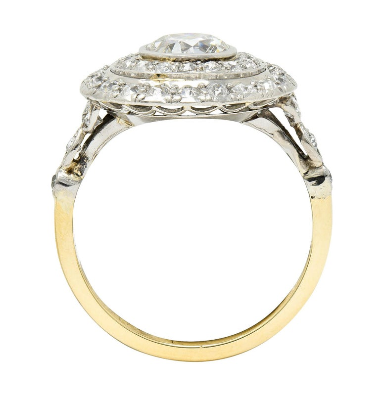 Art Deco 2.56 Carats Diamond Platinum-Topped 14 Karat Gold Cluster Ring GIA For Sale 3