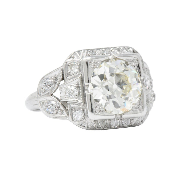 Art Deco 2.69 Carats Diamond Platinum Cushion Foliate Engagement Ring GIA In Excellent Condition For Sale In Philadelphia, PA