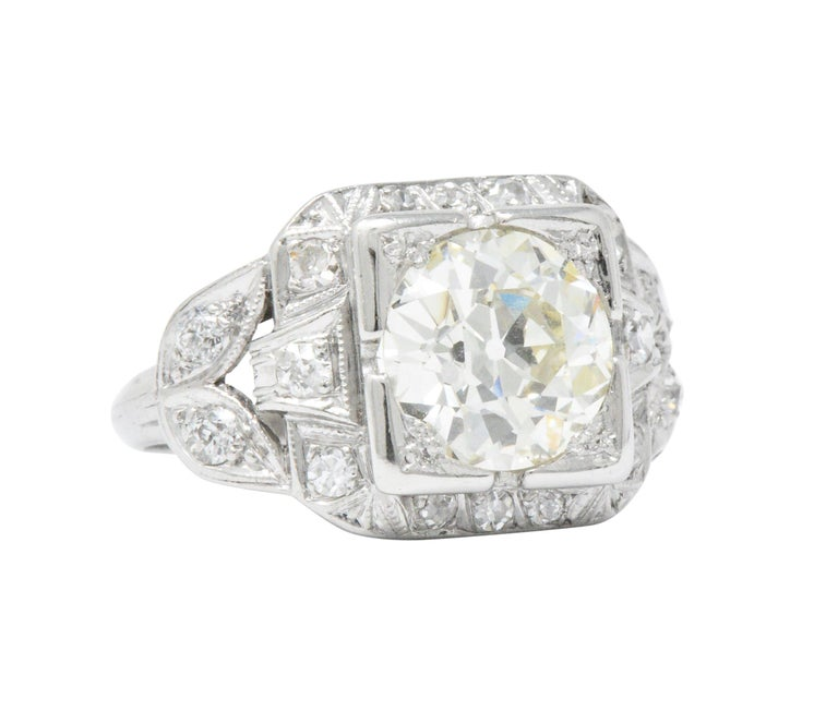Art Deco 2.69 Carats Diamond Platinum Cushion Foliate Engagement Ring GIA For Sale 2