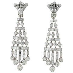 Art Deco 27 Carat Chandelier Diamond Earrings in Platinum