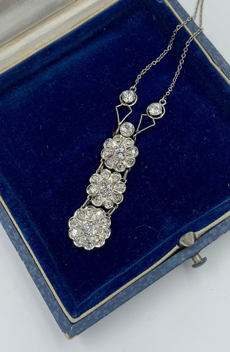 Art Deco 2.7 Carat Old European Cut Diamond Platinum Pendant Necklace Antique For Sale 2