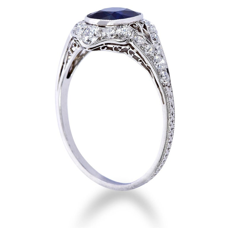 Round Cut Art Deco 3 Carat No Heat Sapphire Ring For Sale
