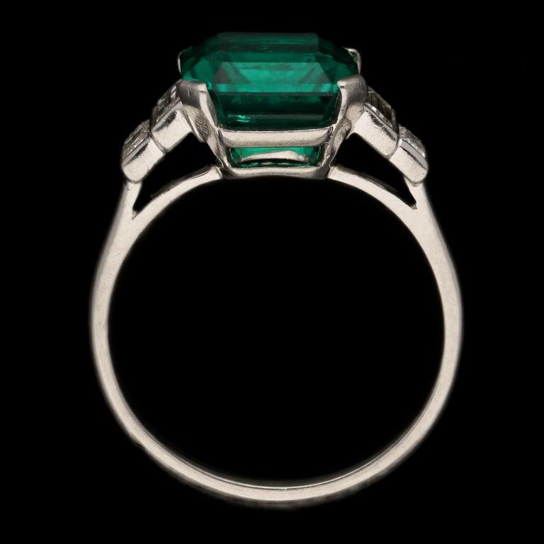 Emerald Cut Art Deco 3.20 Carat Colombian Emerald-Cut Emerald and Baguette Diamond Ring For Sale
