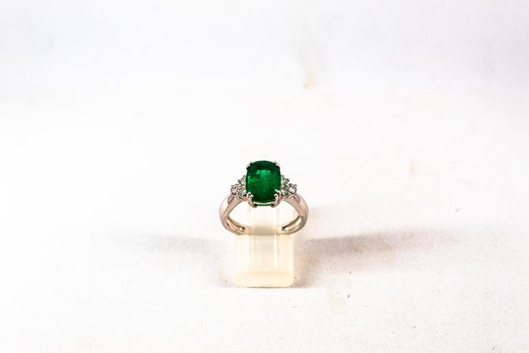 Art Deco Style 3.22 Carat Emerald 0.36 Carat Diamond White Gold Cocktail Ring In New Condition For Sale In Naples, IT