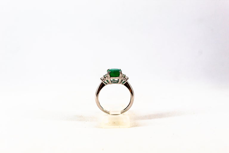 Art Deco Style 3.22 Carat Emerald 0.36 Carat Diamond White Gold Cocktail Ring For Sale 3