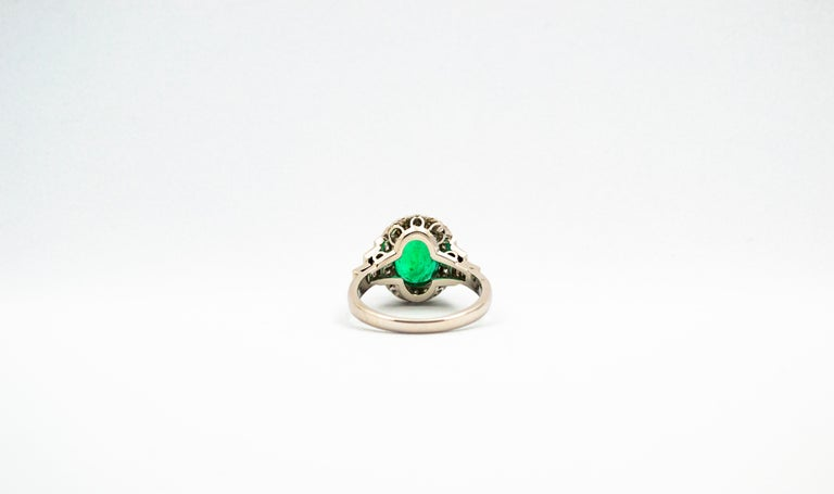 Round Cut Art Deco Style 3.30 Carat Emerald 0.90 Carat White Diamond White Cocktail Ring For Sale