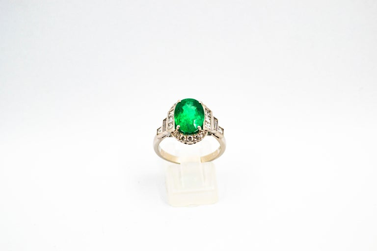 Art Deco Style 3.30 Carat Emerald 0.90 Carat White Diamond White Cocktail Ring In New Condition For Sale In Naples, IT