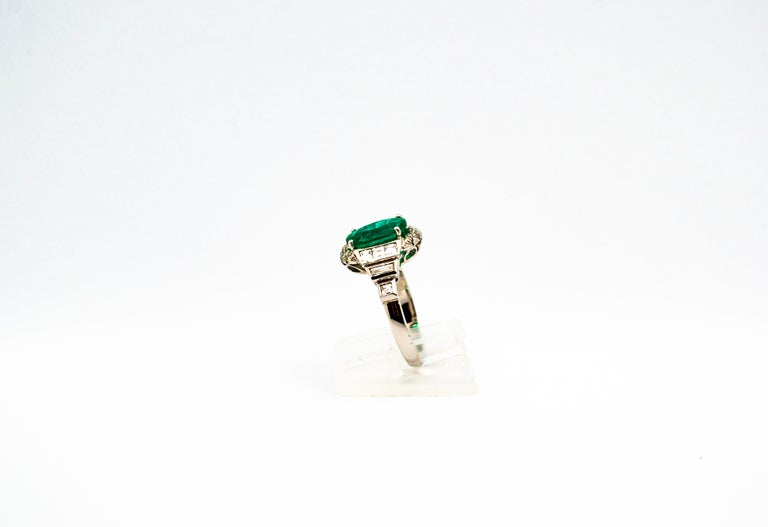 Art Deco Style 3.30 Carat Emerald 0.90 Carat White Diamond White Cocktail Ring For Sale 1