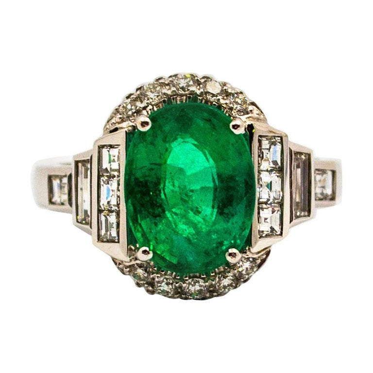 Art Deco Style 3.30 Carat Emerald 0.90 Carat White Diamond White Cocktail Ring For Sale