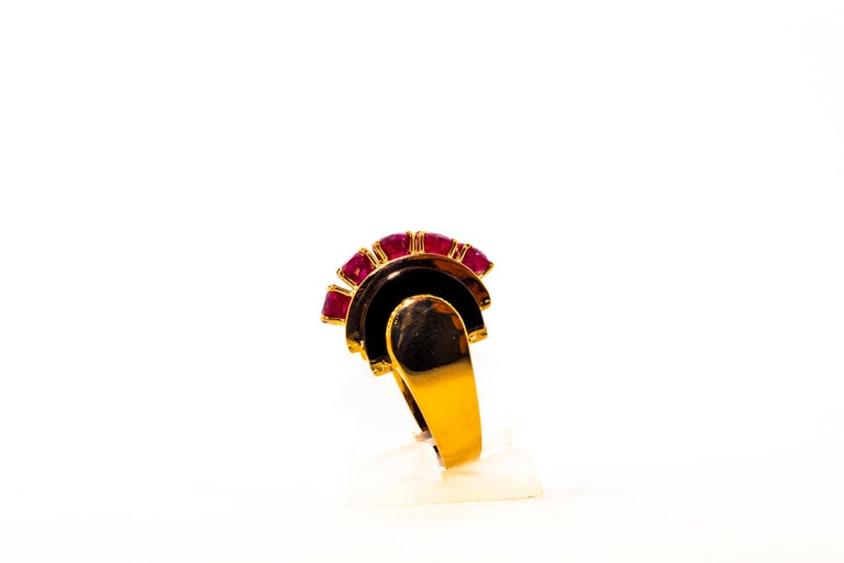 Women's or Men's Art Deco Style 5.10 Carat Ruby 0.15 Carat Diamond Onyx Yellow Gold Cocktail Ring For Sale