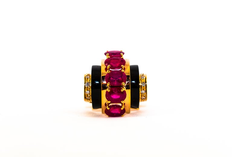Art Deco Style 5.10 Carat Ruby 0.15 Carat Diamond Onyx Yellow Gold Cocktail Ring For Sale 3