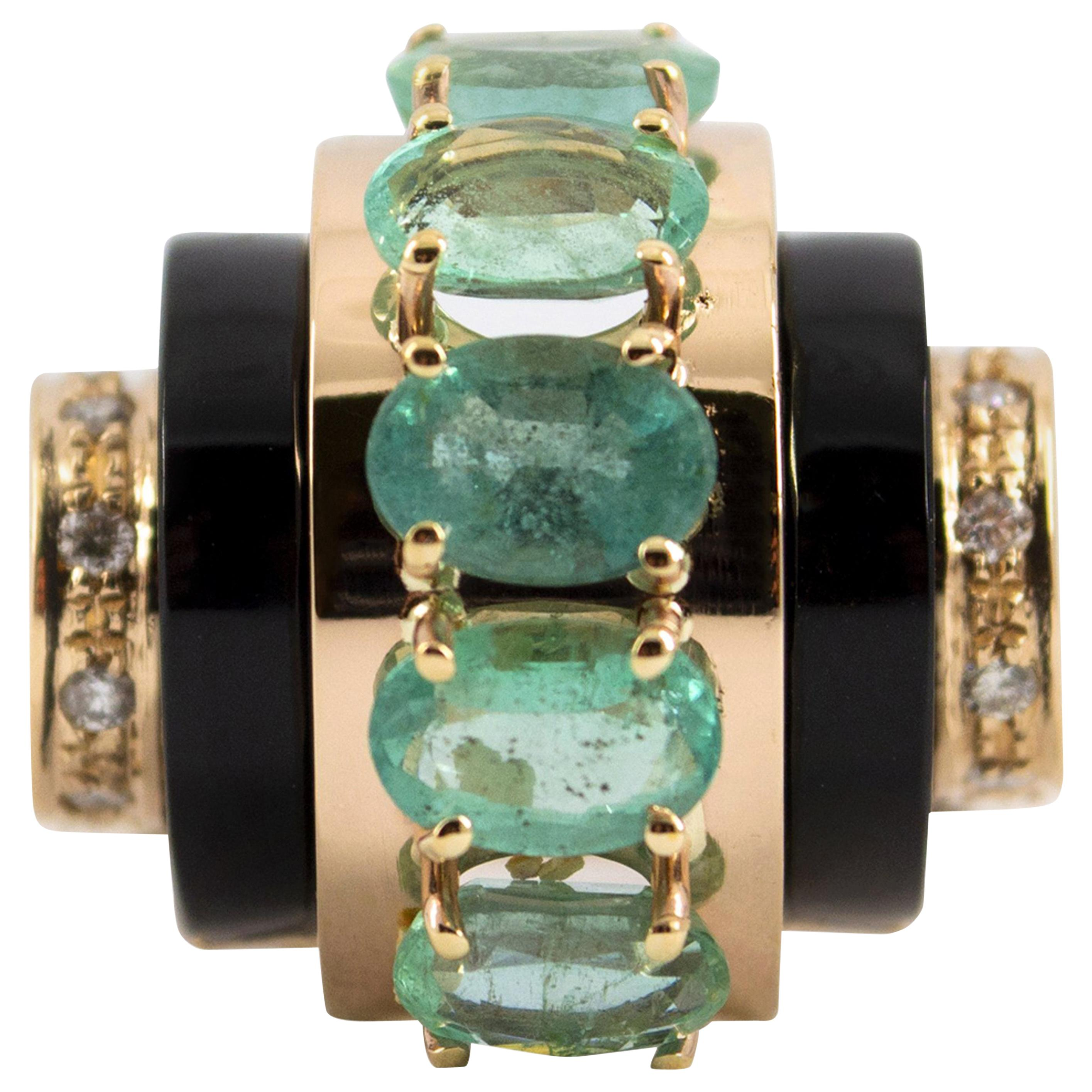 Art Deco Style 5.15 Carat White Diamond Emerald Onyx Yellow Gold Cocktail Ring