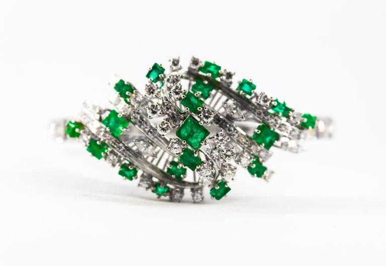 5.20 Carat White Diamond 3.60 Carat Emerald White Gold Bracelet For Sale 5