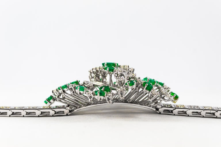 5.20 Carat White Diamond 3.60 Carat Emerald White Gold Bracelet In New Condition For Sale In Naples, IT
