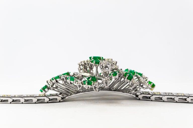 Women's or Men's  5.20 Carat White Diamond 3.60 Carat Emerald White Gold Bracelet For Sale