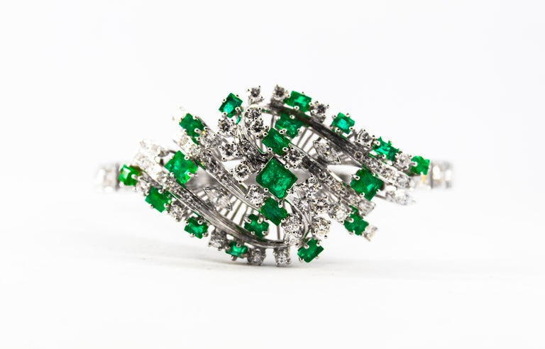 5.20 Carat White Diamond 3.60 Carat Emerald White Gold Bracelet For Sale 4
