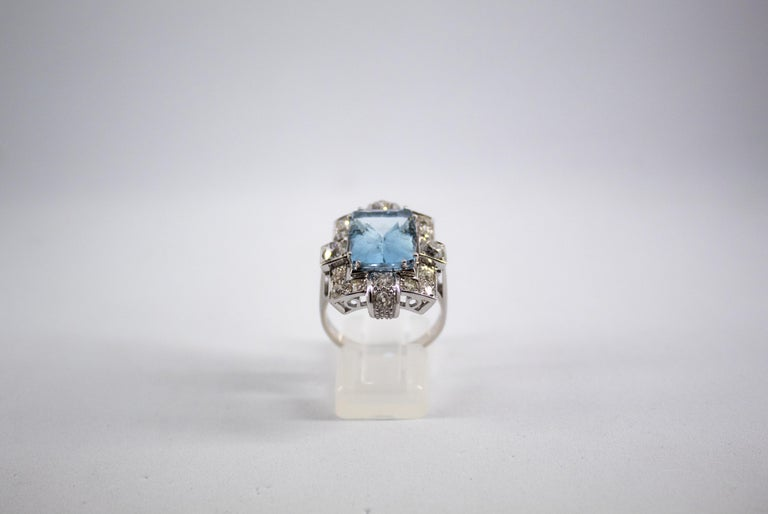 Art Deco 5.60 Carat Aquamarine 2.00 Carat White Diamond White Gold Cocktail Ring In New Condition For Sale In Naples, IT