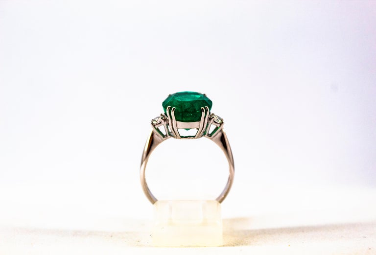 Round Cut Art Deco Style 6.29 Carat Emerald 0.20 Carat Diamond White Gold Cocktail Ring For Sale