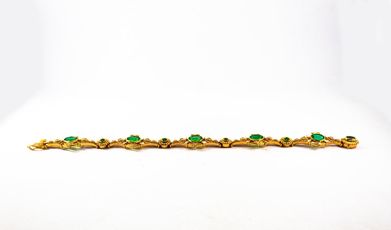Art Deco Style 6.60 Carat Emerald 0.60 Carat White Diamond Yellow Gold Bracelet In New Condition For Sale In Naples, IT