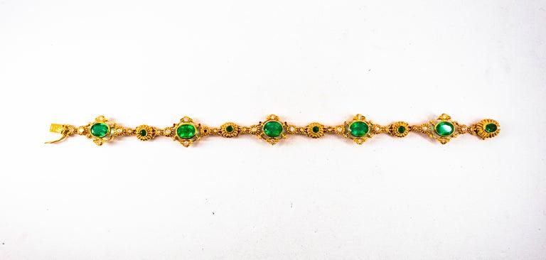 Art Deco Style 6.60 Carat Emerald 0.60 Carat White Diamond Yellow Gold Bracelet For Sale 3