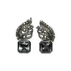 Art Deco 6.65 Carat Radiant Cut Aquamarine White Diamond 18 Karat Gold Earrings