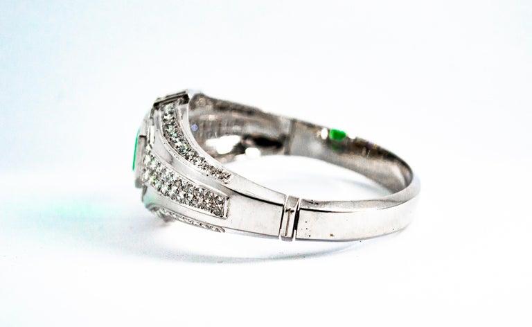 Art Deco Style 7.10 Carat Emerald 7.40 Carat White Diamond Gold Clamper Bracelet For Sale 5