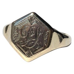 Art Deco 9 Carat Gold Signet Ring with Engraving