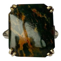 Art Deco Agate and 9 Carat Gold Ring