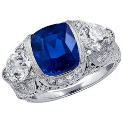 Art Deco AGL Certified 5.40 Carat Kashmir Sapphire and Diamond Ring