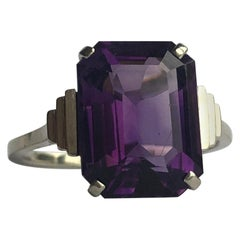 Art Deco Amethyst and 9 Carat White Gold Cocktail Ring