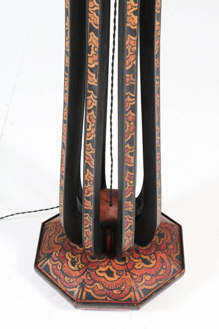 Art Deco Amsterdam School Batik Decoration Wooden Floor Lamp by Louis Bogtman In Good Condition For Sale In Amsterdam, NL