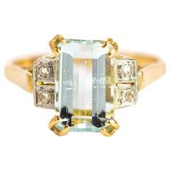 Art Deco Aqua and Diamond 18 Carat Gold Ring