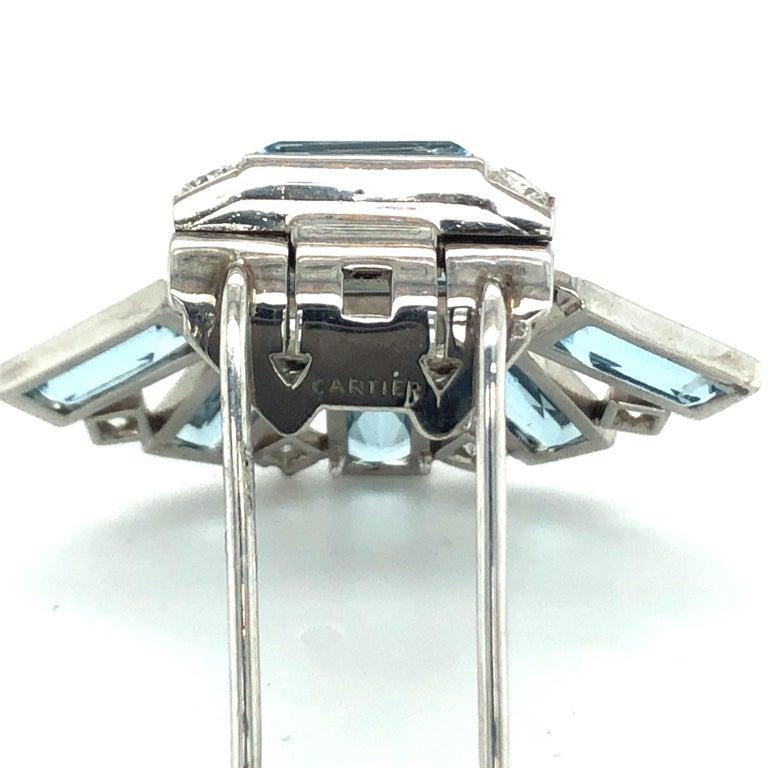 Art Déco Aquamarine Diamond Platinum Clip by Cartier In Good Condition For Sale In Zurich, CH