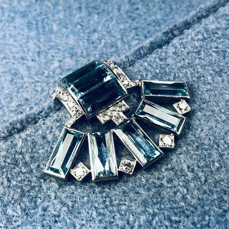 Women's or Men's Art Déco Aquamarine Diamond Platinum Clip by Cartier For Sale