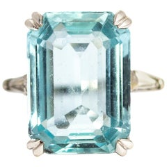 Art Deco Aquamarine and Diamond Platinum Cocktail Ring