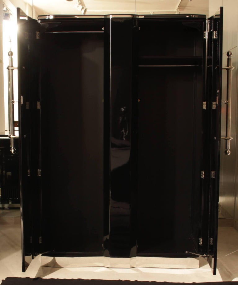 Art Deco Armoire, Black Lacquer and Chrome, France, circa 1930 In Excellent Condition For Sale In Regensburg, DE