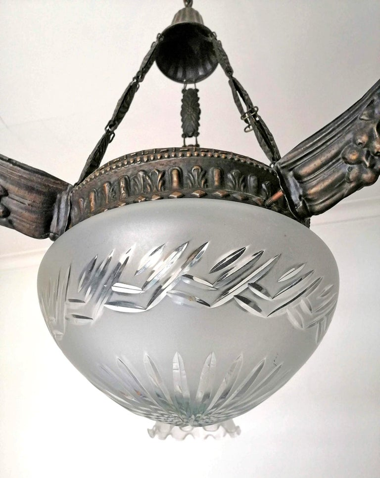 20th Century Art Deco & Art Nouveau in Degué Style Cut Glass 4-Light Chandelier, circa 1920 For Sale